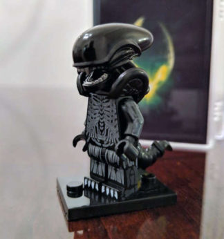 Custom Alien Minifigure