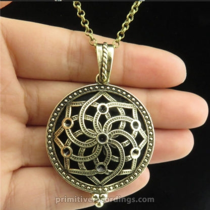Hollow Essential Oil Locket Necklace